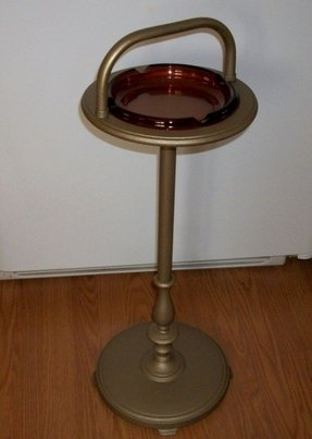 Free standing ashtray 4