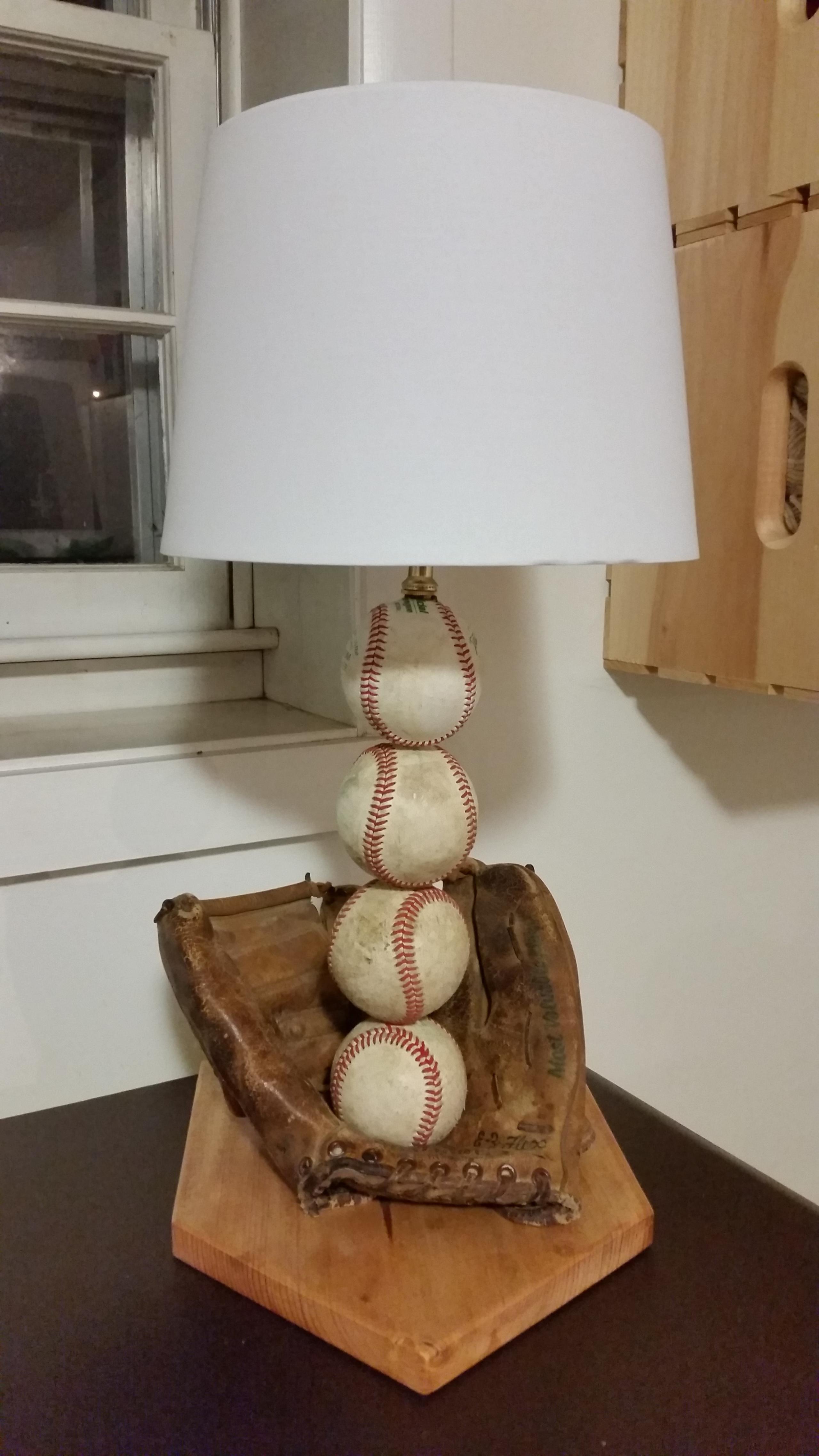 Lovely Kids Baseball Lamp 1