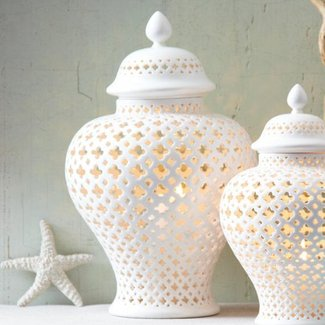 Porcelain ginger jar table lamp 1