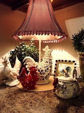 Small rooster lamp