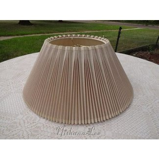6956f1751f6 Vintage 18 pleated linen stiffel lamp