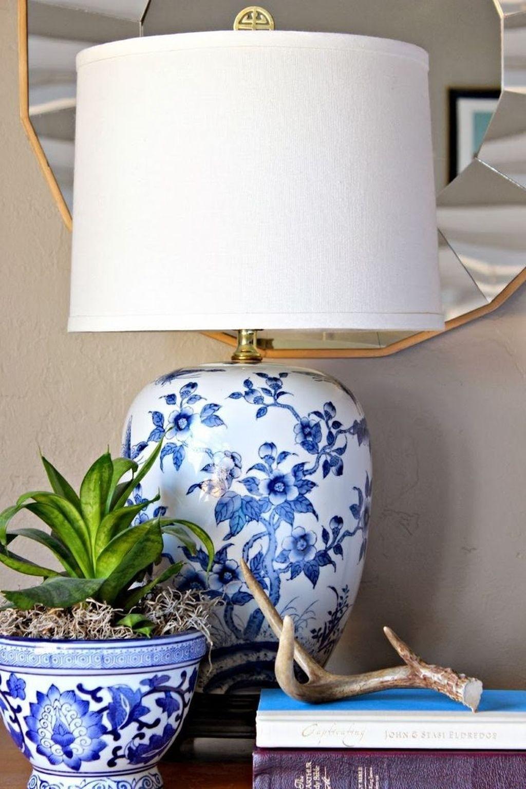 Elegant Blue And White Porcelain Table Lamps 1