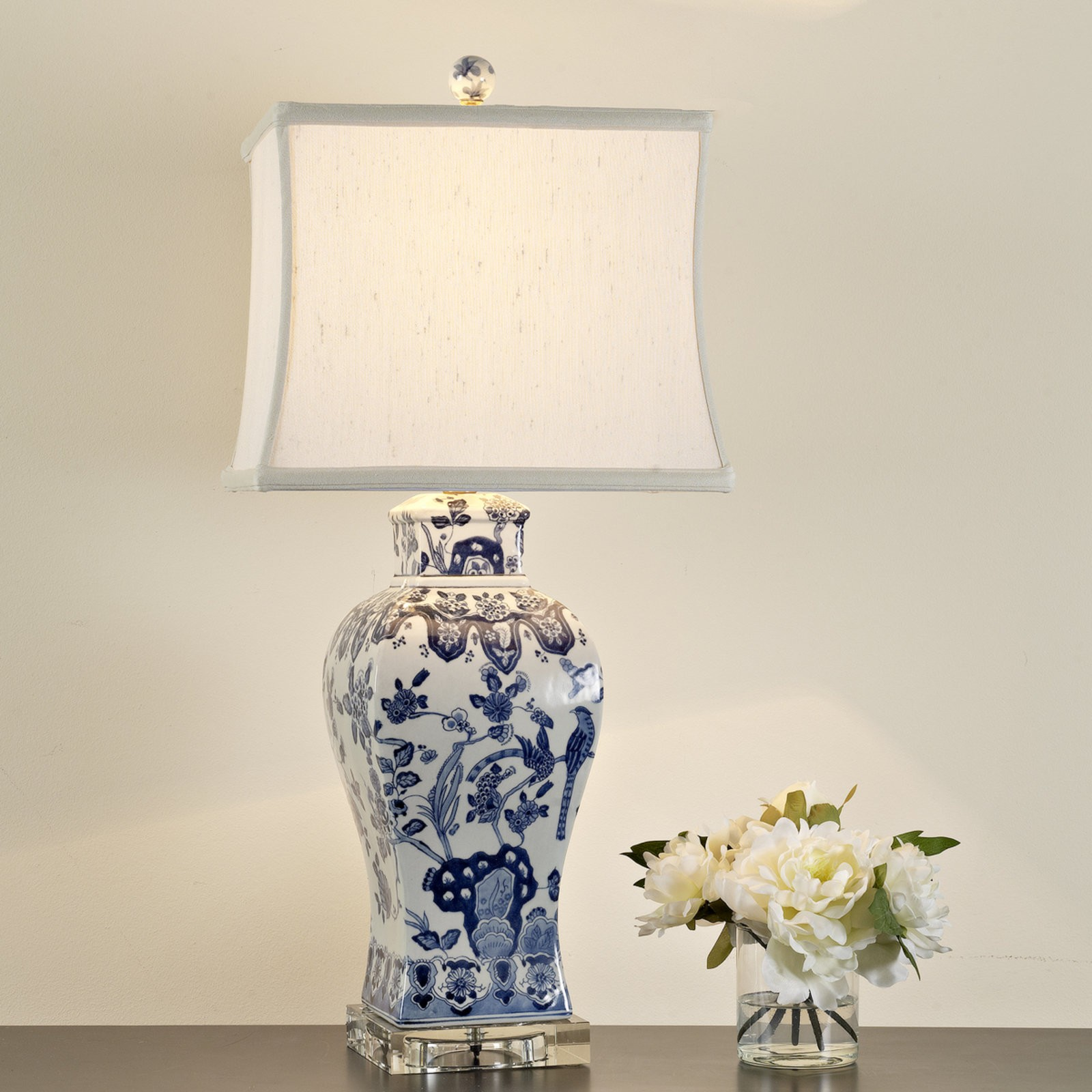 Charmant Blue And White Porcelain Table Lamps