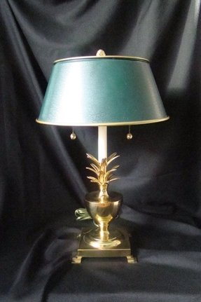 Brass pineapple lamp 41