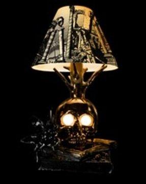 Skull Lamp Foter