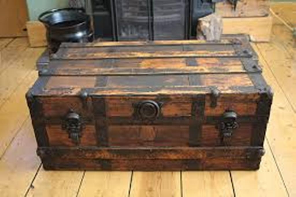 Antique Trunk Coffee Table 1