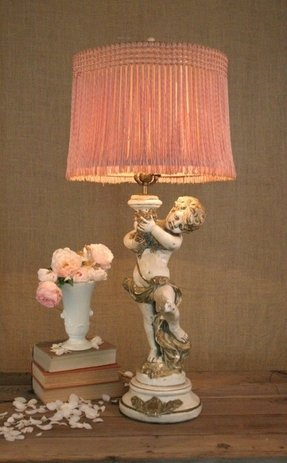 Shabby Cherub Lamp With Vintage Pink