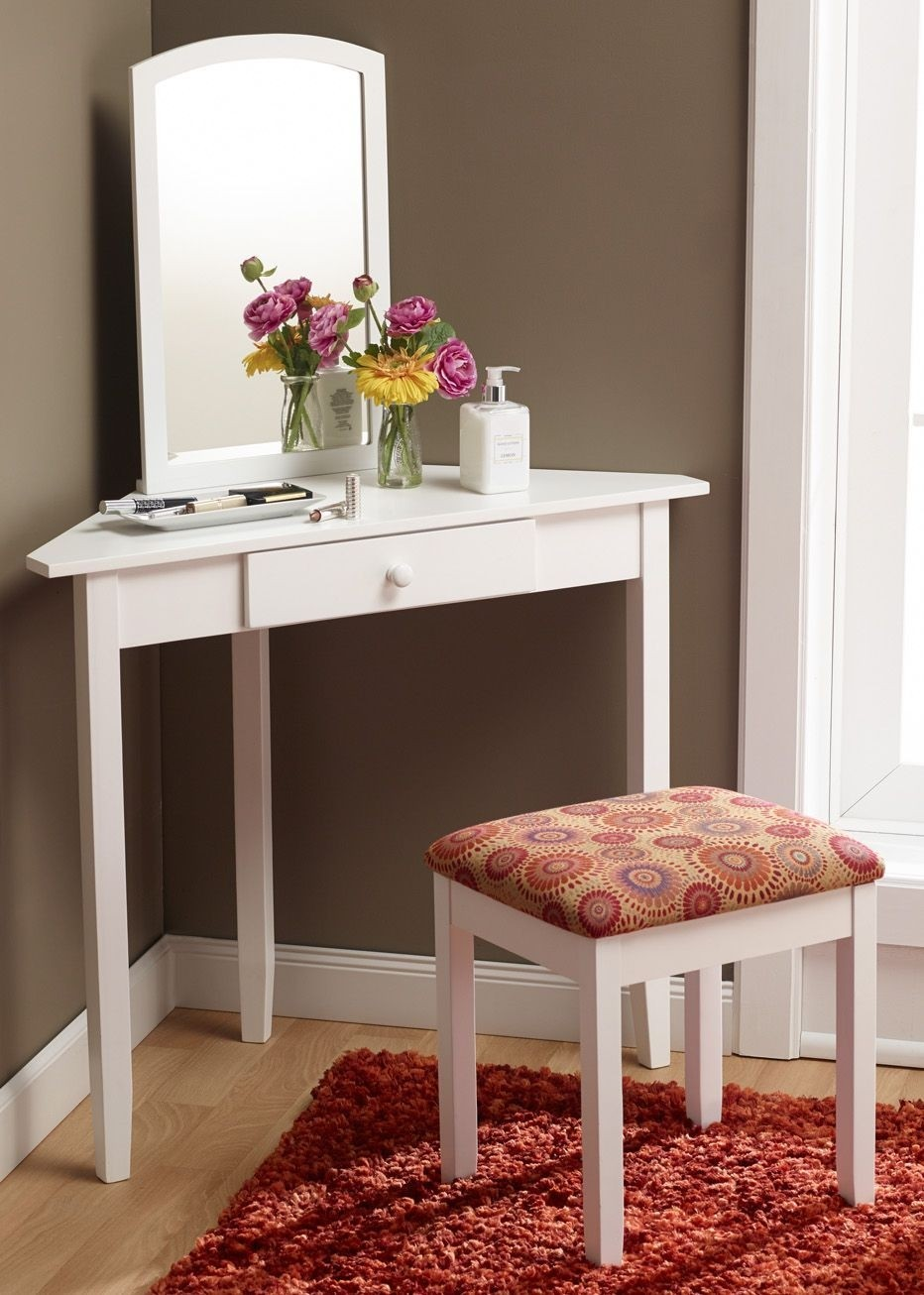 Superbe White Bedroom Vanity Set 1