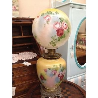 Beautiful antique victorian parlor gone with the wind lamp