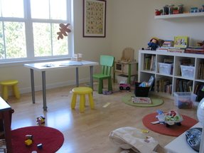 Round table and chairs for kids 17