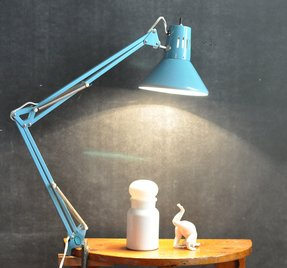Vintage modern swing arm drafting lamp