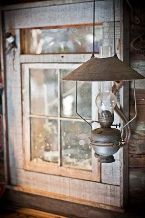 Hanging hurricane lamp 6