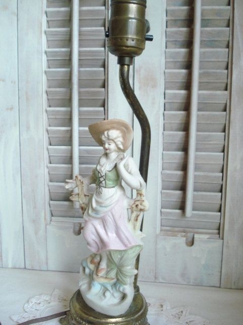 Porcelain figurine lamp occupied japan