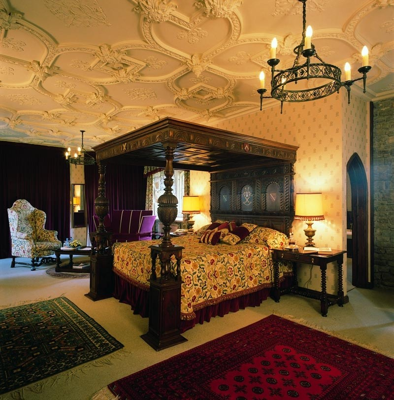 King Four Poster Bed 28