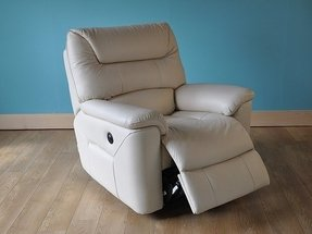 Oversized leather recliners 9