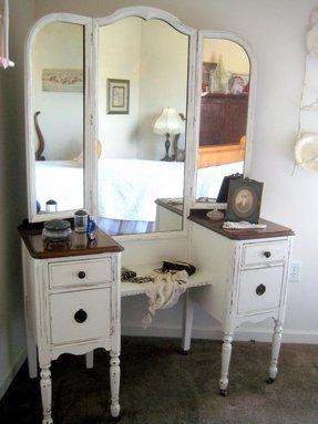 Antique White Bedroom Vanity Ideas On
