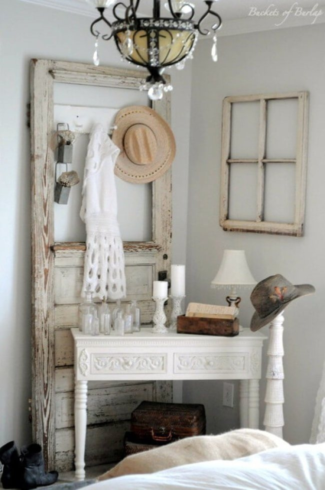 Antique White Bedroom Vanity 3