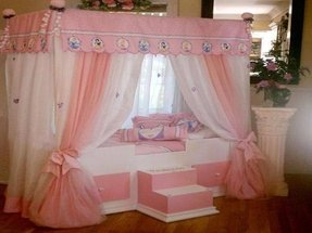 Girls canopy bedroom set 1