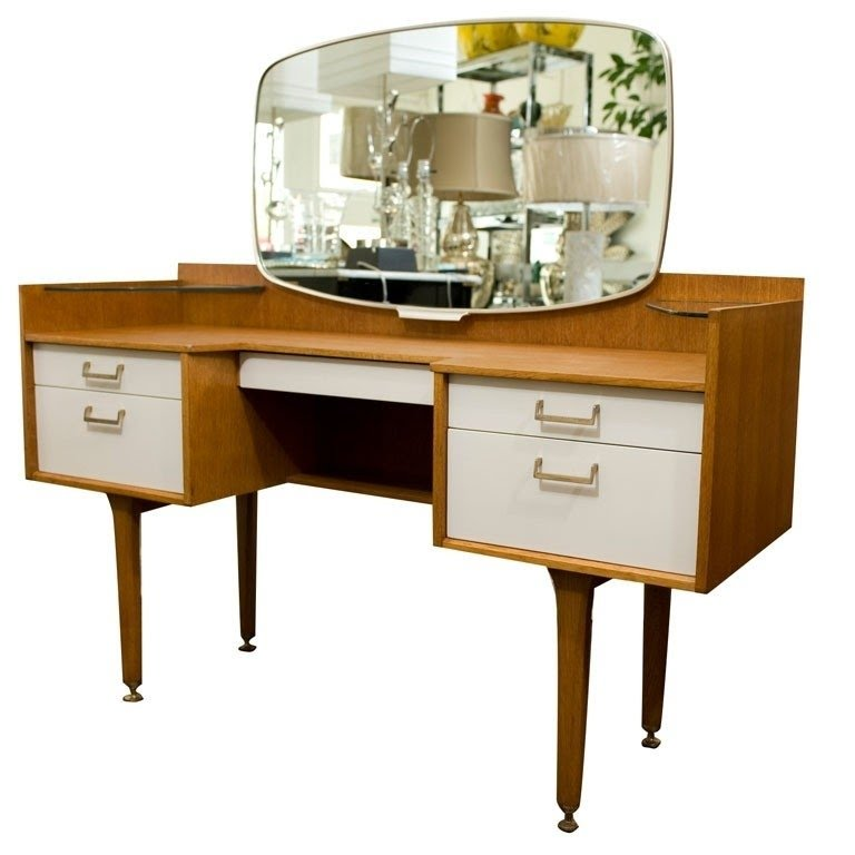 Modern Bedroom Vanity Table 7