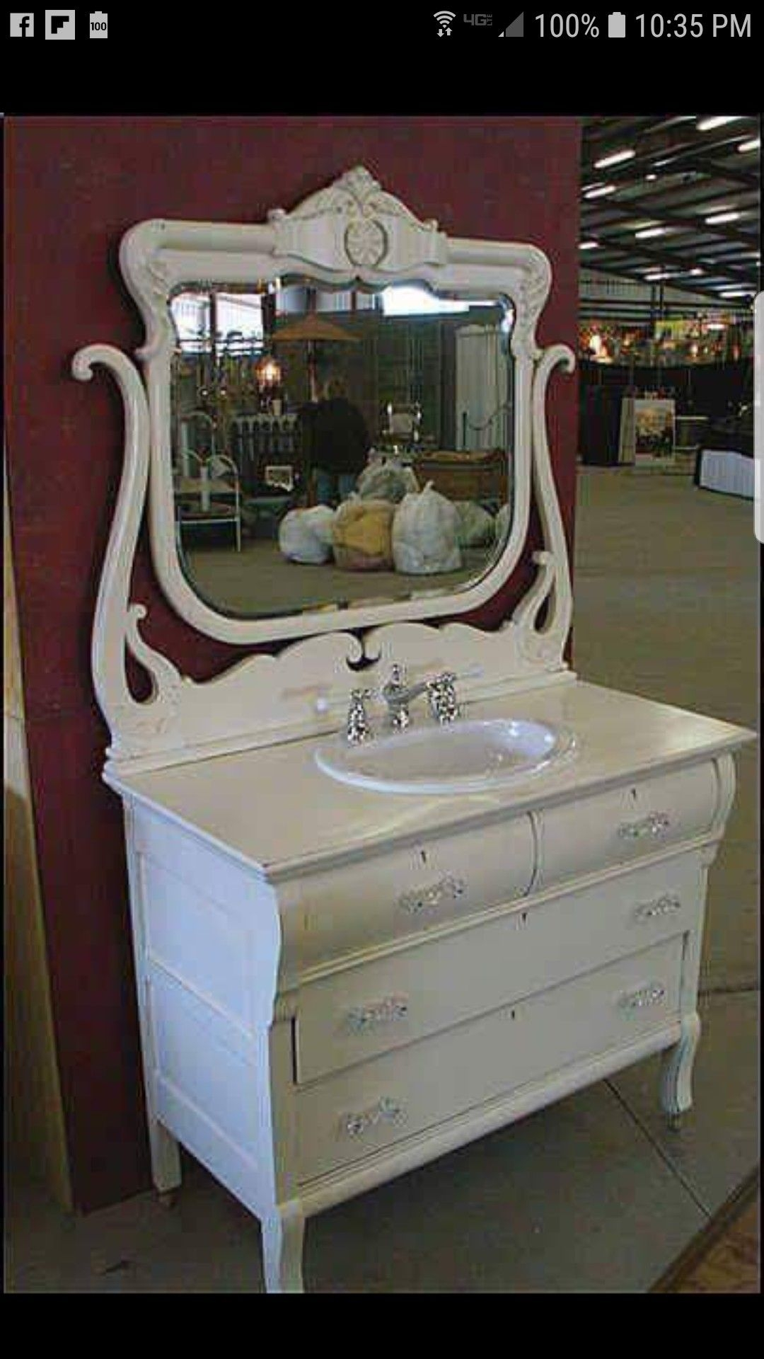 Vintage Bedroom Vanities