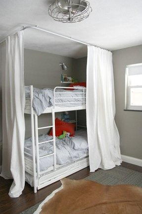 Bunk bed shelving