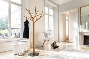 Tree shaped coat stand