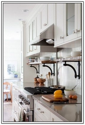 Countertop corner shelf