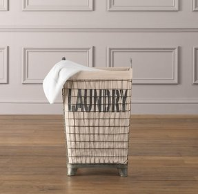 Laundry chute basket