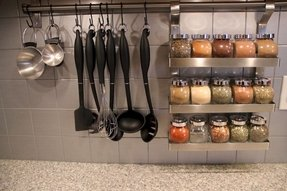 Spice rack with jars 3