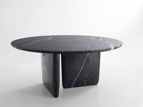Round marble tables 3