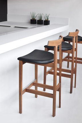 wood and leather bar stools foter. Black Bedroom Furniture Sets. Home Design Ideas