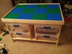 Childrens play table with storage 15