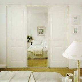 Curtain wall room divider