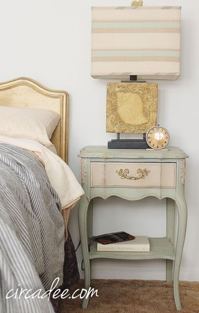 French nightstands 3