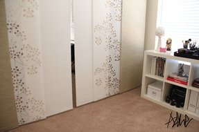 Hanging wall dividers