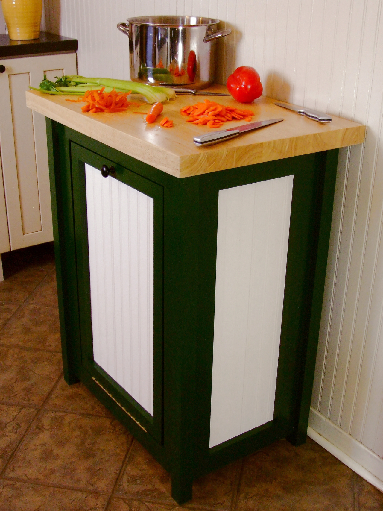Kitchen Island With Cutting Board Top 14