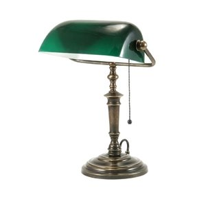 Why are bankers lamps green