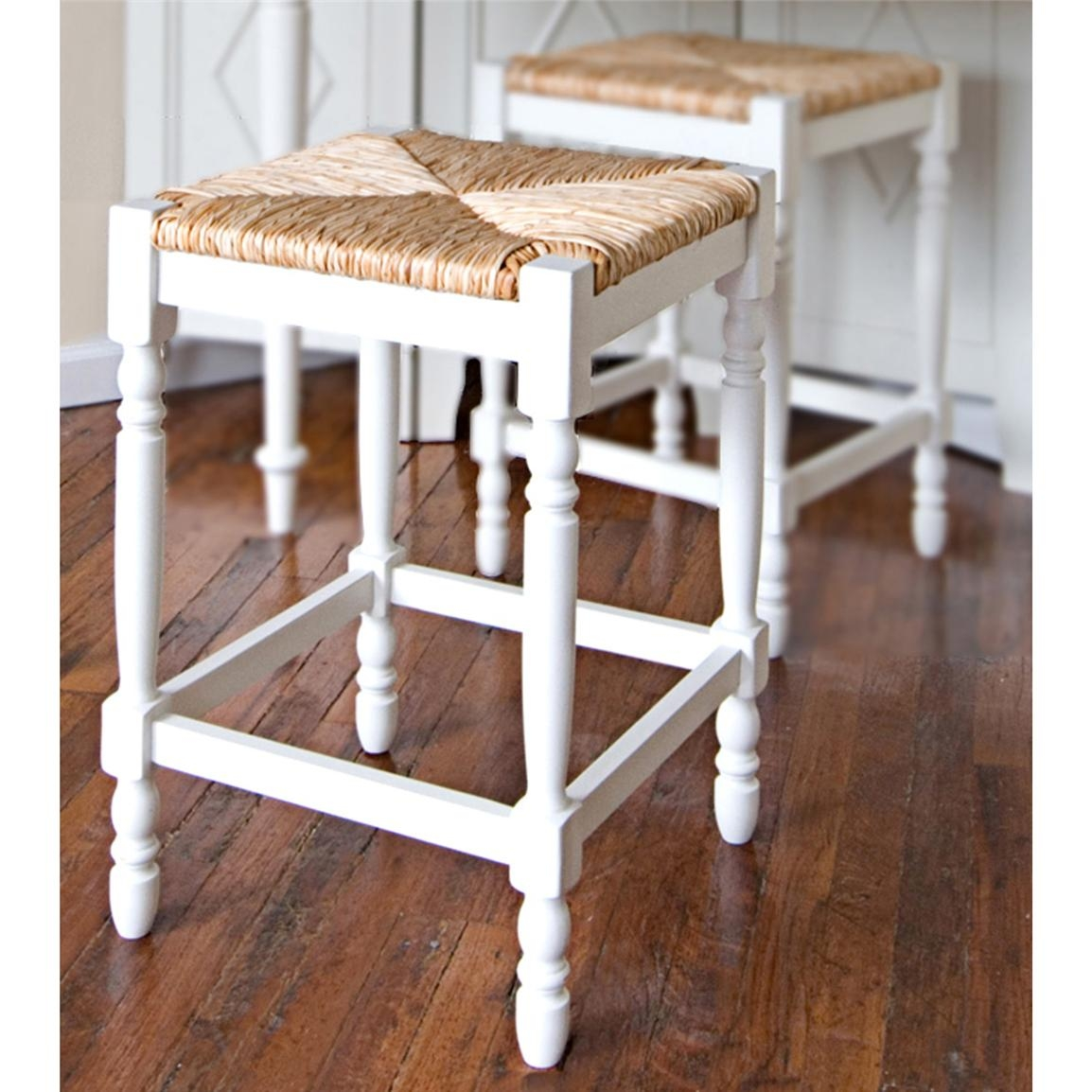 Superieur Wood Wicker Bar Stools
