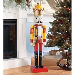 Large outdoor nutcracker soldiers