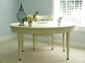 Oval white dining table 1
