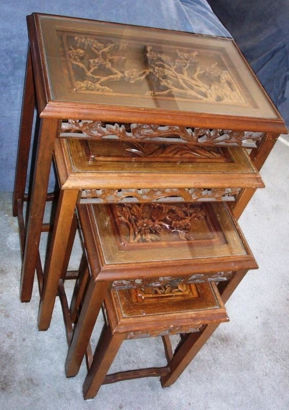 Charmant Chinese Nesting Tables 17