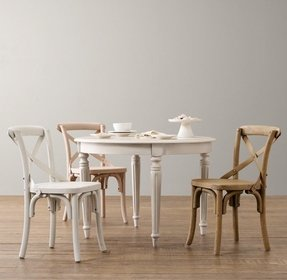 Kids round table and chairs