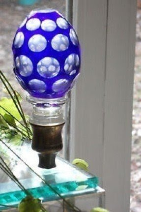 Glass lamp finial