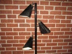 Black metal floor lamp 3