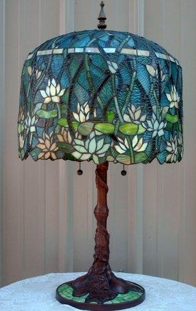 Pond Lily Lamp Foter