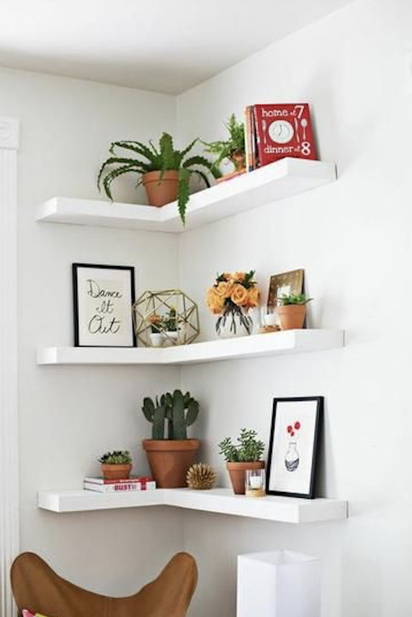 Ordinaire Floating Corner Shelves Suitable For Living Room Decorations Ideas