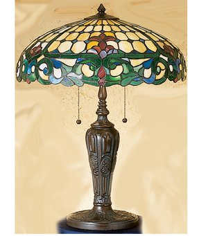 Colonial table lamp