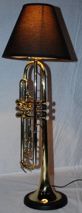 Trumpet Lamp Foter