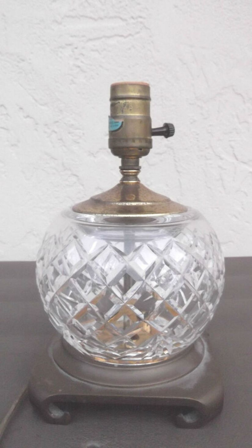 Exceptionnel Vintage Waterford Crystal Small Table Lamp Boudoir Dresser Light