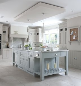 Country style kitchen islands